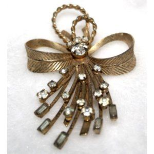 Vintage Sarah Coventry Bow Brooch Pin Gold Toned